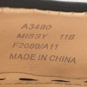 Coach Shoes - Coach Black leather Missy Pumps Size 11